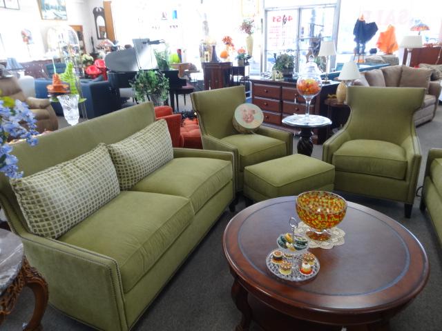 Sofa, Loveseat, 2 Chairs & Ottoman Image