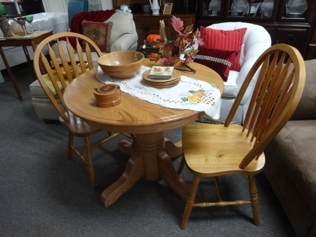 Small Round Oak Table W/2 Chairs