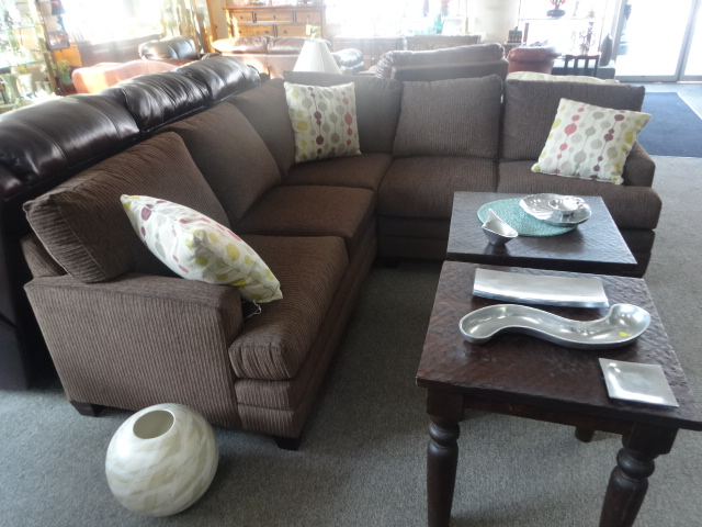 NEW ARRIVAL 2 Pc. Upholstered Sectional
