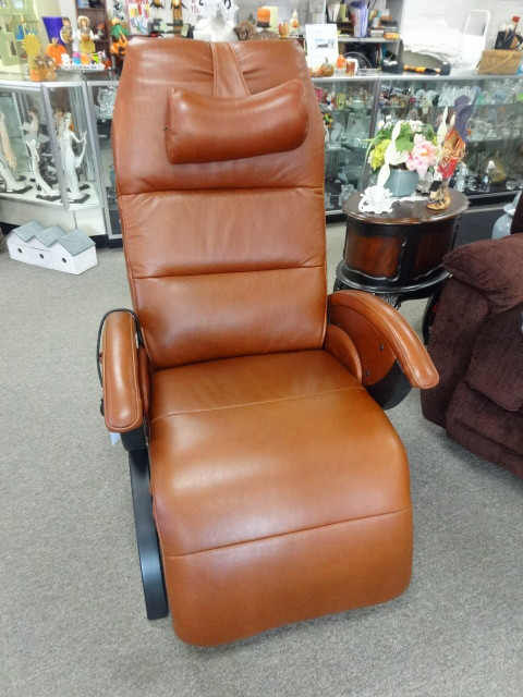 Andrew LeBlanco Leather Power Chair